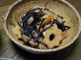 ひじきの煮物(ちくわぶ入り)