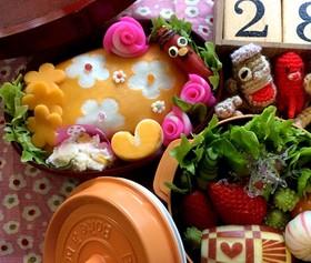 【簡単】キャラ弁 花柄 薄焼き卵