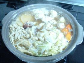 スープが美味しい!鶏ミンチな団子鍋!