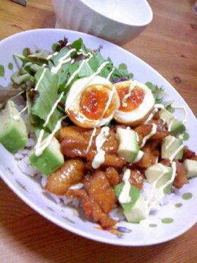 ミツカン黒酢でカフェ風テリマヨ丼