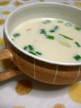 ポテトとベーコンのソイスープ