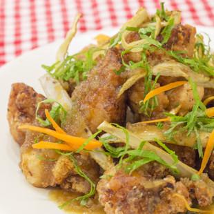 王道の鶏の唐揚げ