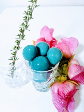 お弁当をカラフルオシャレに♫青い味付け卵