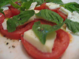 超簡単で見栄えのする トマトの前菜