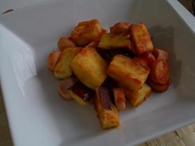 さつま芋と魚肉ソーセージのケチャップ炒め
