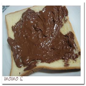 乗っけてトーストするだけ!簡単チョコパン