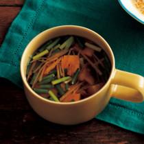 梅干しとショウガのタイ風スープ