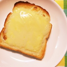 簡単!チーズと練乳 トースト