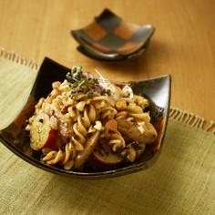 根菜とパスタのカカオサラダ