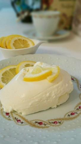 ハチミツレモンのふわふわヨーグルトムース