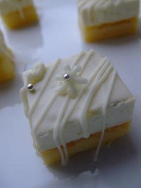 ★2層のミニキューブチーズケーキ★