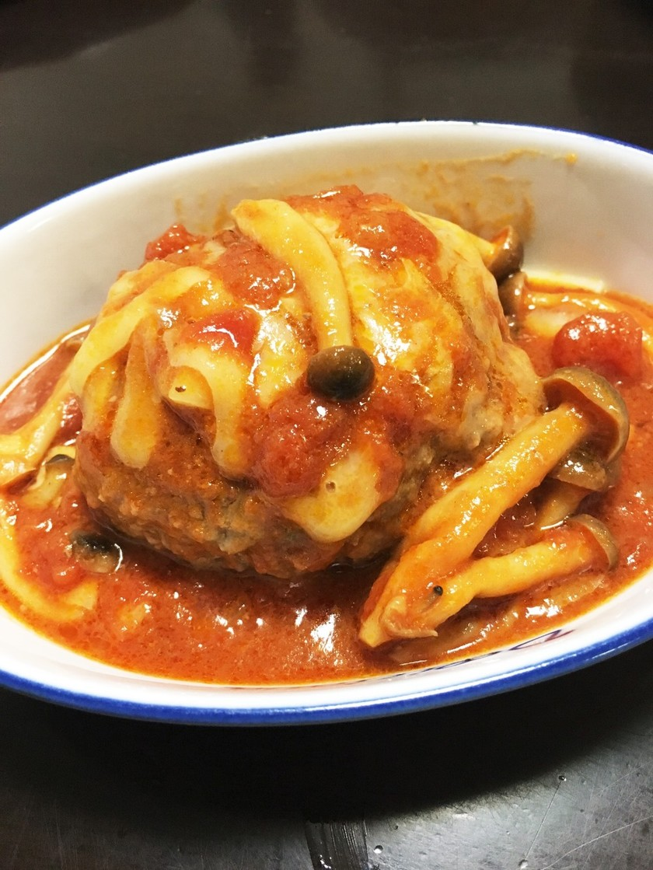 煮込みハンバーグ トマト缶で簡単