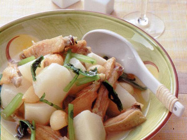 鶏手羽とかぶのスープ煮