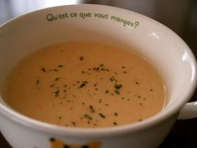 簡単♪クリームコーンと人参のスープ