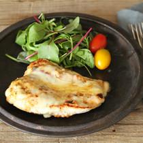 塩麹鶏のチーズ焼き