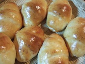 オニオン&ベーコンのロールパン