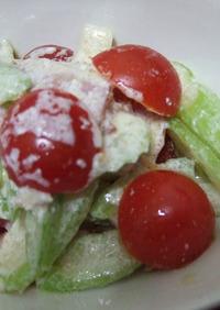 セロリとベーコンのサラダ