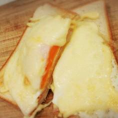 朝からガッツリ!目玉チーズマヨトースト♡