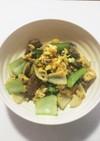 さんま缶と玉ねぎとチンゲン菜と卵の炒め物