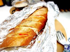 アウトドア フランスパンでホットサンド