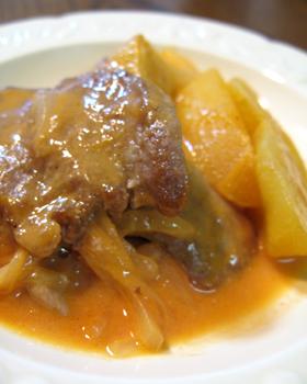 豚ヒレとリンゴのトマトクリーム煮