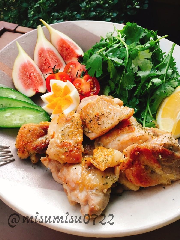 お弁当にも☆簡単鶏もも肉のレモンソテー