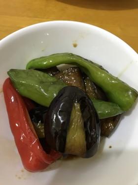万願寺唐辛子、赤ピーマン、茄子の炒り煮