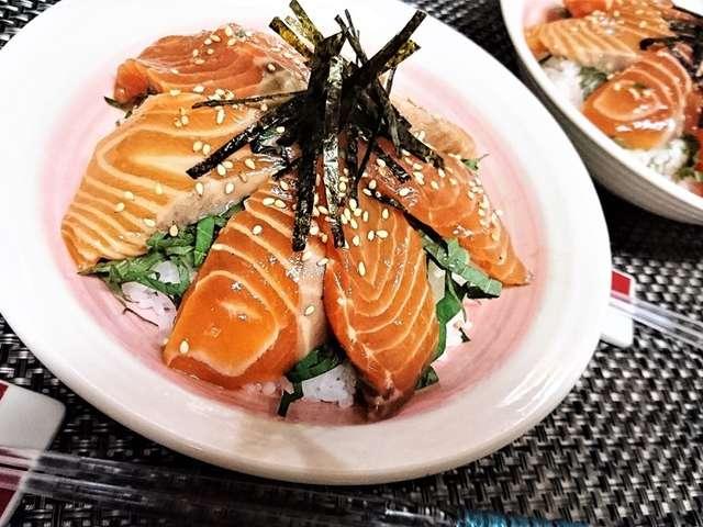 サーモン 漬け 丼 レシピ