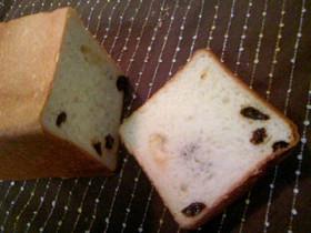 四角いレーズン食パン