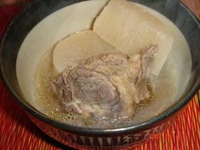 大根と牛スネ肉の煮込み