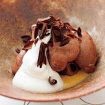 チョコレート風味のウフ・ア・ラ・ネージュ