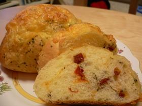 ドライトマトとバジルのパン