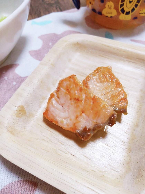離乳食後期*手づかみ*鮭のバター醤油焼き