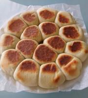 フライパンでちぎりパンの写真