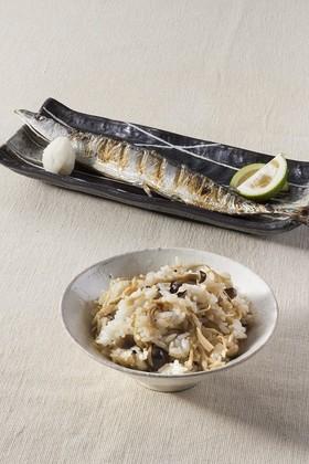 秋刀魚の塩焼きとしめじご飯