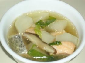 サーモンと大根のあっさりスープ