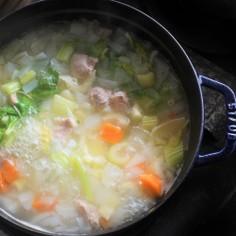 簡単便利な色々野菜の煮込みスープ