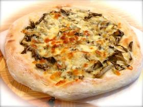 きのこ風味がやみつき!舞茸とチーズのピザ