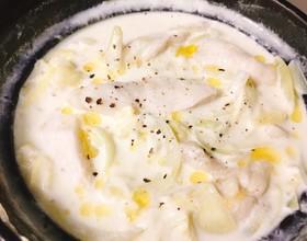水晶鶏とキャベツのとろ〜りミルク鍋