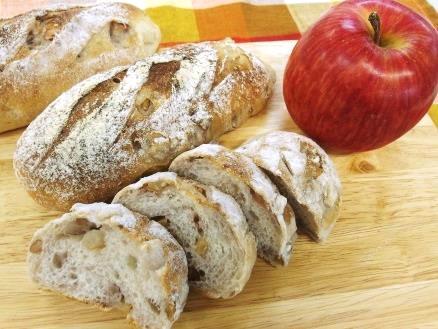 りんごとくるみのソフトフランスパン