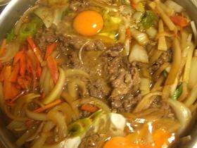 野菜がいっぱいなんちゃって韓国風スキヤキ