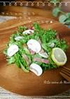 マッシュルームとレタスのシンプルなサラダ