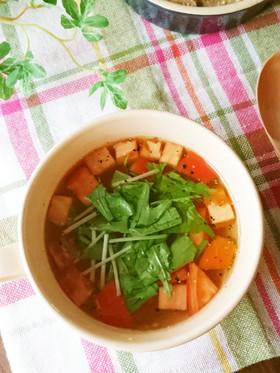 お湯を注ぐだけ♪トマトのコンソメスープ