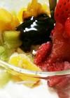 生クリームアイスの果物&キャラメル添え