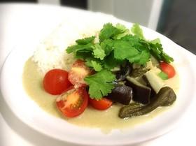 緑野菜のグリーンカレー