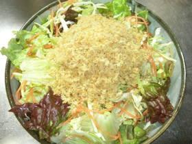 サクサクバターパン粉のサラダ