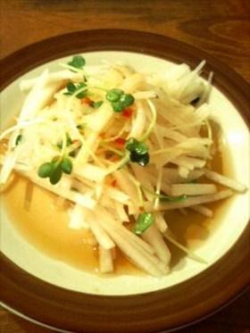 大根と貝割れの簡単アジアンサラダ