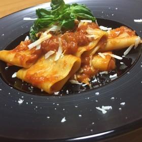 リガトーニのトマトパスタ