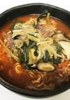 ビーフリブのピリ辛スープで辛ラーメン