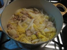 母の味の白菜と豚肉の煮込み